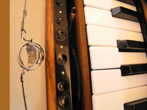 Ondes Martenot, 1976 (7th generation since 1928; 1st generation with transistors); Suzanne Binet-Audet's instrument. 6/38 [Photo: Luc Beauchemin, Boucherville (Québec), April 2005]