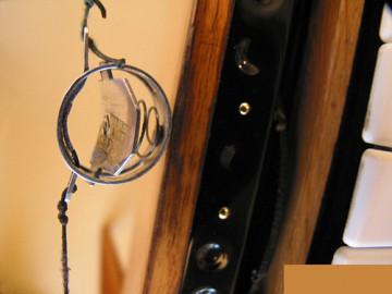 Ondes Martenot, 1976 (7e génération depuis 1928; 1e génération transistorisée); instrument de Suzanne Binet-Audet. 7/38 [Photo: Luc Beauchemin, Boucherville (Québec), avril 2005]