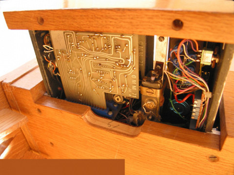 Ondes Martenot, 1976 (7th generation since 1928; 1st generation with transistors); Suzanne Binet-Audet's instrument. 13/38 [Photo: Luc Beauchemin, Boucherville (Québec), April 2005]