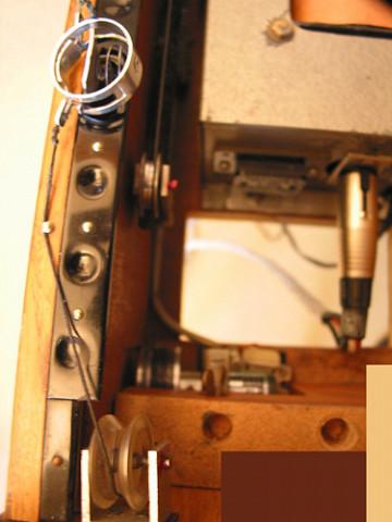 Ondes Martenot, 1976 (7e génération depuis 1928; 1e génération transistorisée); instrument de Suzanne Binet-Audet. 15/38 [Photo: Luc Beauchemin, Boucherville (Québec), avril 2005]