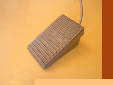 Ondes Martenot, 1976 (7th generation since 1928; 1st generation with transistors); Suzanne Binet-Audet's instrument. 18/38 [Photo: Luc Beauchemin, Boucherville (Québec), April 2005]