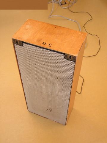 Ondes Martenot, 1976 (7e génération depuis 1928; 1e génération transistorisée); instrument de Suzanne Binet-Audet. 20/38 [Photo: Luc Beauchemin, Boucherville (Québec), avril 2005]