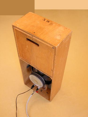 Ondes Martenot, 1976 (7th generation since 1928; 1st generation with transistors); Suzanne Binet-Audet's instrument. 23/38 [Photo: Luc Beauchemin, Boucherville (Québec), April 2005]