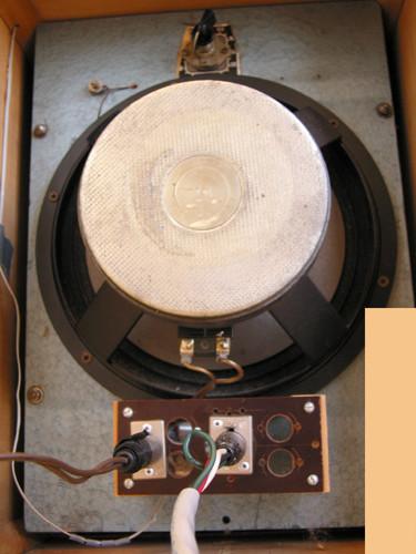 Ondes Martenot, 1976 (7th generation since 1928; 1st generation with transistors); Suzanne Binet-Audet's instrument. 25/38 [Photo: Luc Beauchemin, Boucherville (Québec), April 2005]