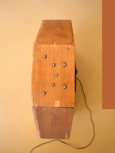 Ondes Martenot, 1976 (7th generation since 1928; 1st generation with transistors); Suzanne Binet-Audet's instrument. 28/38 [Photo: Luc Beauchemin, Boucherville (Québec), April 2005]