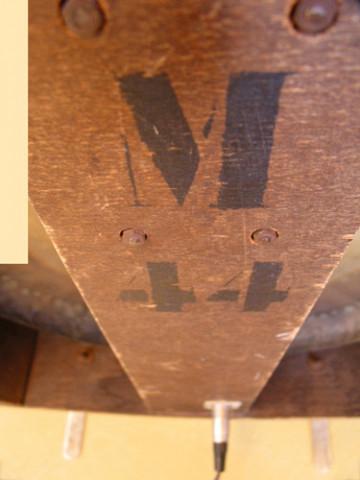 Ondes Martenot, 1976 (7e génération depuis 1928; 1e génération transistorisée); instrument de Suzanne Binet-Audet. 34/38 [Photo: Luc Beauchemin, Boucherville (Québec), avril 2005]