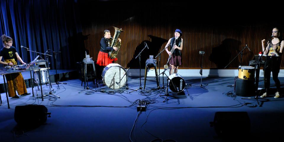 Émilie Payeur, Julie Houle, Lori Freedman, Elizabeth Lima [Photograph: Céline Côté, Montréal (Québec), December 7, 2020]