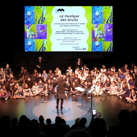 Groupes 221, 222, 223, 224 dirigés par Joane Hétu [Photo: Céline Côté, Montréal (Québec), 18 juin 2019]