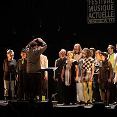 Joker_LesLucioles: Tableau 3 — bruits de bouche sous la direction de Jean Derome [Photo: Martin Morissette, Victoriaville (Québec), 19 mai 2019]