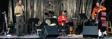 Bomata live in concert [Photo: Jean-Claude Désinor, Montréal (Québec), July 2008]