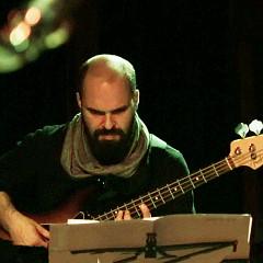 Pierre-Yves Martel / Quartetski Does Bartok + Kim Myhr en solo, La Sala Rossa, Montréal (Québec) [Photo: Robin Pineda Gould, Montréal (Québec), 4 novembre 2014]