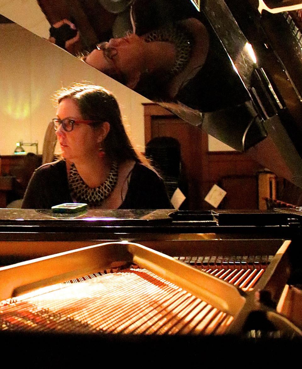 Lisa Cay Miller / Concert, Western Front, Vancouver (Colombie-Britannique, Canada) [Photo: Laura Krutz Photography, Vancouver (Colombie-Britannique, Canada), 21 novembre 2016]