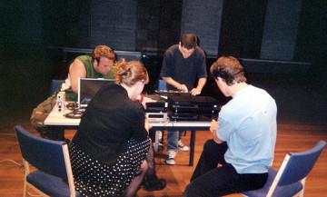 morceaux_de_machines — Atelier d'interprétation bruitiste avec les étudiants de la Western Australian Academy of Peforming Arts [Mount Lawley (Australie-Occidentale, Australie), 11 octobre 2005]