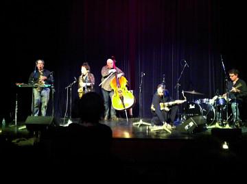 Nous perçons les oreilles (Jean Derome, Joane Hétu), Torsten Müller, John Butcher, Dylan Van der Schyff [Photo: Laurie Radford, Calgary (Alberta, Canada), November 16, 2011]