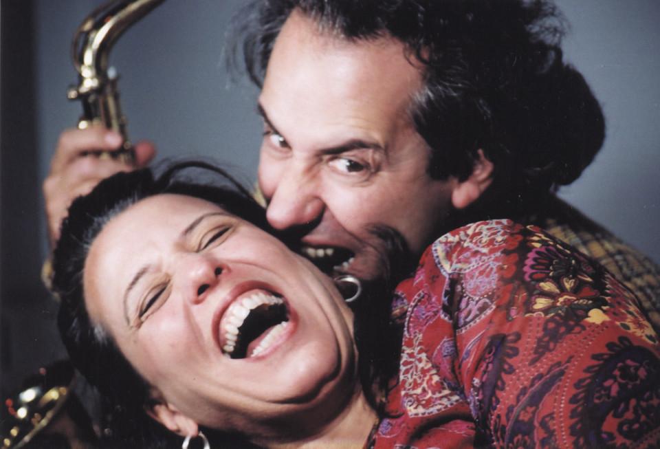 Nous perçons les oreilles (Jean Derome, Joane Hétu) [Photograph: Céline Côté, 2002]