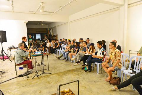 Nous perçons les oreilles in concert at Findars [Kuala Lumpur (Malaysia), November 25, 2016]