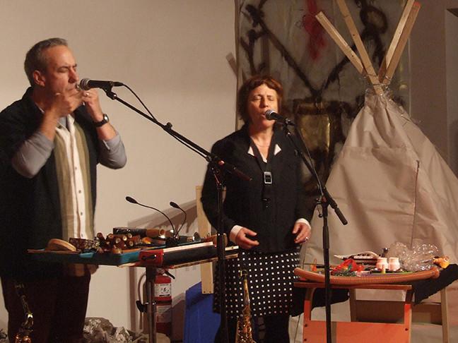Nous perçons les oreilles in concert at Trois-Rivières at Atelier Silex [Trois-Rivières (Québec), October 22, 2016]