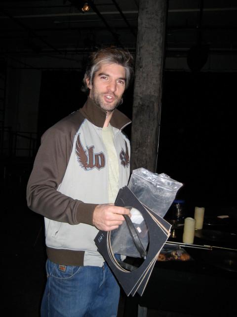 Alexandre Péloquin in rehearsal for Productions SuperMusique's Y'a du bruit dans ma cabane [Photograph: Joane Hétu, December 2008]