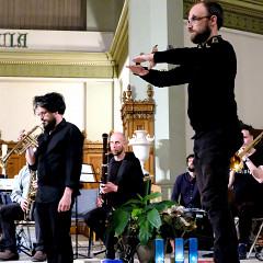Ensemble SuperMusique (ESM) and Orchestre de musique expérimentale du DOC (OMEDOC) perform the piece Systema of Jean-Baptiste Perez [Photograph: Céline Côté, Montréal (Québec), June 12, 2019]