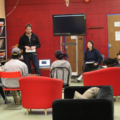 Sylvain Pohu et  animant un atelier