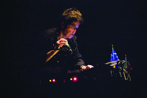 Hélène Prévost en concert à Québec [Photo: Idra Labrie, Québec (Québec), octobre 2008]