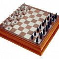 Jeu d'échecs Camelot de Royal Selangor, en excellent état