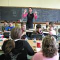 Magali Babin dirigeant une classe [Photograph: Céline Côté]