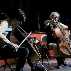 Rémy Bélanger de Beauport, Émilie Girard-Charest [Photo: Chrissy Cheung , Montréal (Québec), 10 octobre 2011]