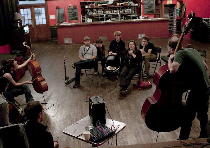 Joëlle Léandre, Jean-Sébastien Leblanc, Rémy Bélanger de Beauport, Solomiya Moroz, Émilie Girard-Charest [Photo: Chrissy Cheung , Montréal (Québec), 9 octobre 2011]