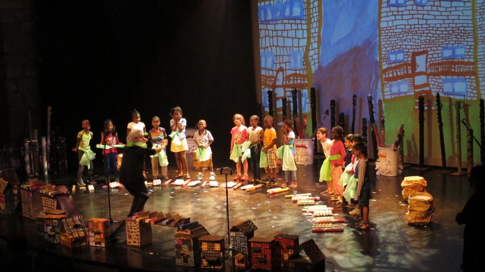 Concert avec des élèves des écoles primaires Enfant-Soleil et Jean-Grou de Montréal [Photograph: Céline Côté, Montréal (Québec), June 3, 2016]