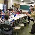 Danielle Palardy Roger dirigeant une classe dans la cadre du projet jeunesse «Les petits bruits» [Montréal (Québec), May 21, 2008]