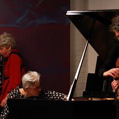 Left to right: Lori Freedman, Marilyn Lerner, Ig Henneman during the recording, in concert of the album Réunion [Photo: Lauren des Marteaux, Toronto (Ontario, Canada), December 2, 2016]