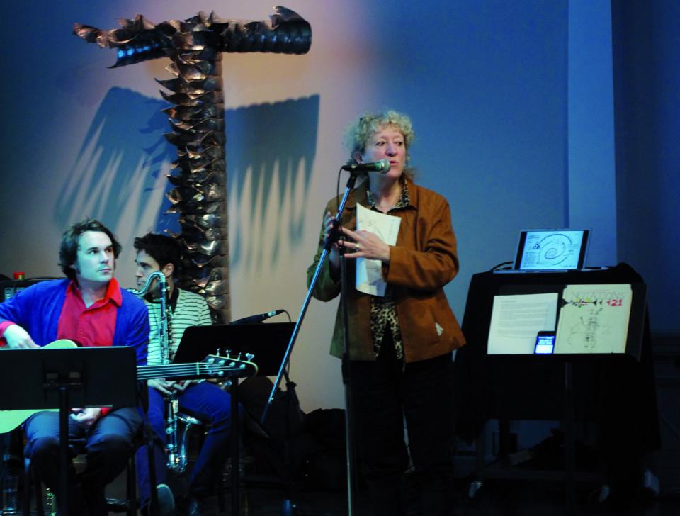 Danielle Palardy Roger donnant les explications lors de l'atelier [Photo: Élisabeth Alice Coutu, Montréal (Québec), 2 mars 2013]
