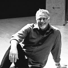 Pete Stollery on the stage of Reid Concert Hall — Edinburgh University [Photo: Lucy Kendra, Edinburgh (Scotland, UK), February 8, 2009]