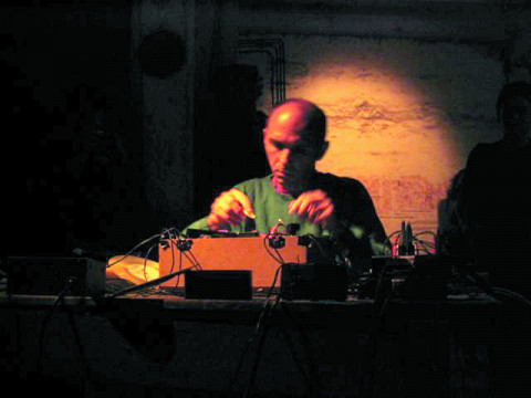 Martin Tétreault live at Garage Festival (Germany) [Photograph: Éric Mattson, August 2003]