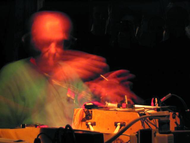 Martin Tétreault live at Garage Festival (Germany) [Photo: Éric Mattson, August 2003]