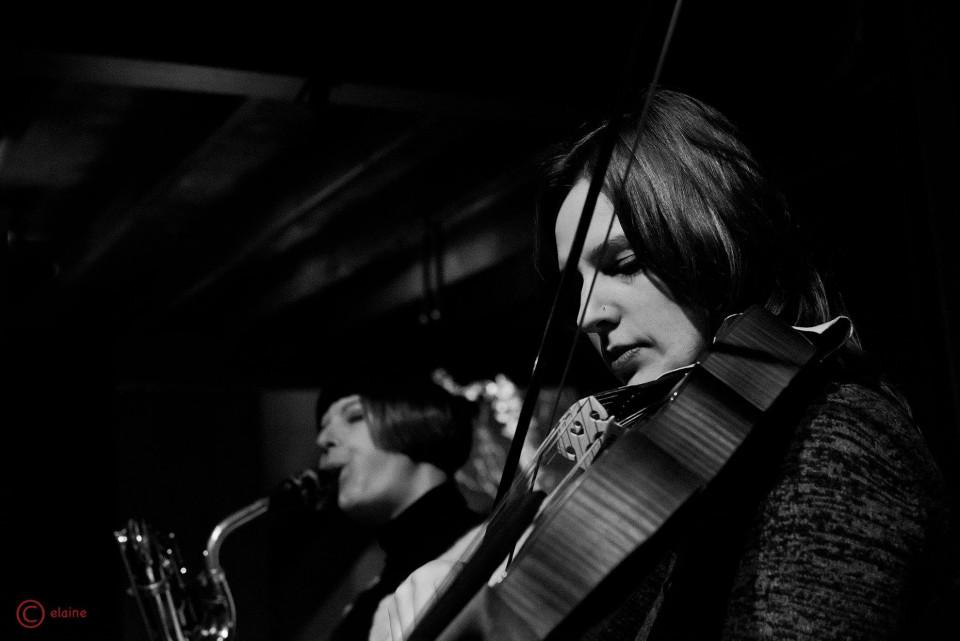 En concert [Photo: Elaine Louw Graham, 2019]
