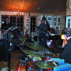 Trio Derome Guilbeault Tanguay, Jean Derome, Normand Guilbeault, Pierre Tanguay [Photo: Bernard Grenon, Saint-Jacques-le-Majeur-de-Wolfestown (Québec), 22 octobre 2003]