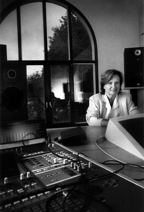 Annette Vande Gorne [Photo: Michel Vanden Eeckhoudt, Ohain (Belgium), 1999]