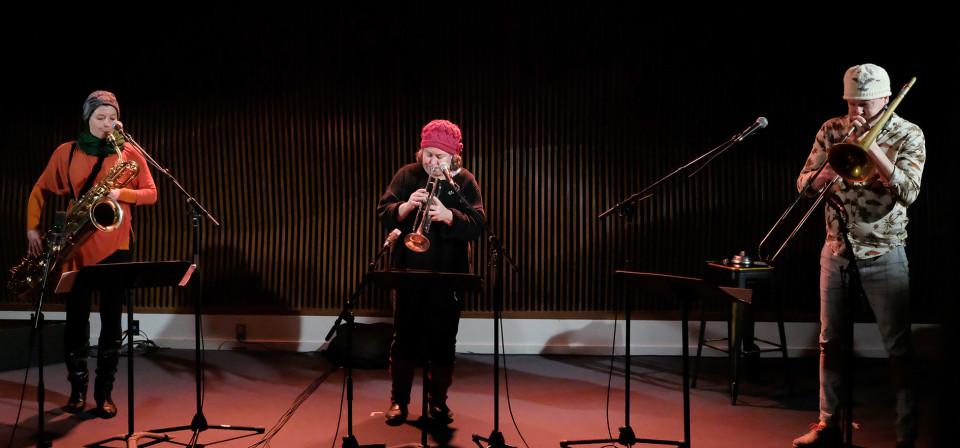 Ida Toninato, Géraldine Eguiluz, Scott Thomson [Photo: Céline Côté, Montréal (Québec), 20 janvier 2021]