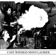 Wondeur Brass en spectacle, apparaissant sur la photo: Claude Hamel, Gin Bergeron, Geneviève Letarte et Diane Labrosse [Photograph: Gaston Beauregard, Mont-Laurier (Québec), March 6, 1981]