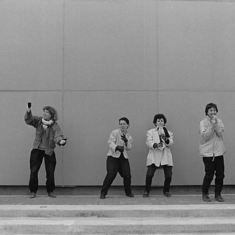 Wondeur Brass (4e formation), portrait style Air Music: Diane Labrosse, Danielle Palardy Roger, Joane Hétu, Gin Bergeron, Hélène Bédard, Judith Gruber-Stitzer [Photograph: Suzanne Girard, 1985]