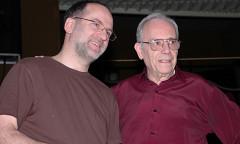 John Young et Enrique Belloc en répétition pour un concert «Akousma» de la série Multiphonies de l'Ina-GRM, Salle Olivier Messiaen — Maison de Radio France [Paris (France), 12 avril 2008]